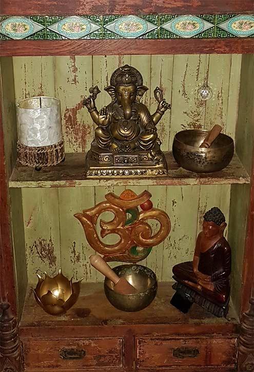 Meuble tibétain et bols chantants